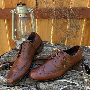 Banana Republic brown leather wingtip oxfords.